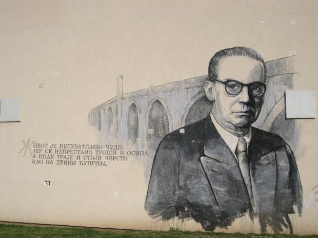 9. Grafit u Višegradu u neposrednoj blizini Andrićgrada prikazuje jednu od najznačajnijih rečenica romana na Drini ćuprija
